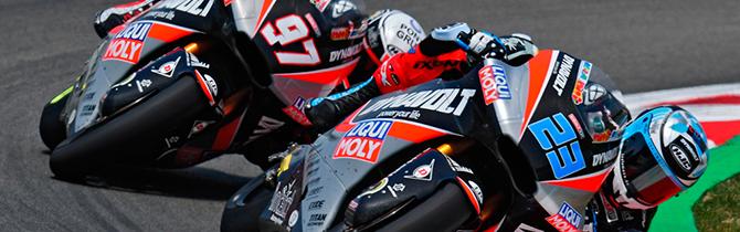 El Equipo De Intact GP En Gran Premio De Barcelona